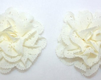 "3"" Ivory Eyelet Flowers 2 Pieces"