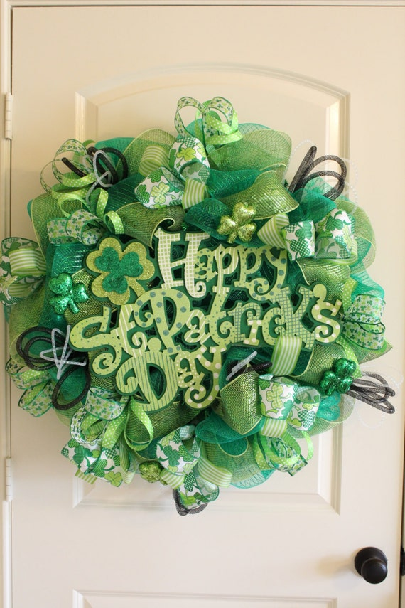 happy st patrick 39 s day deco mesh wreath. Black Bedroom Furniture Sets. Home Design Ideas