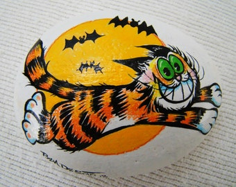 Halloween Kitty Cat Paperweight  -  Hand Painted - One of a Kind