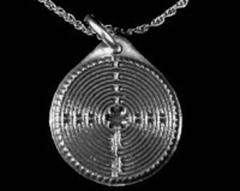 "3/4"" Pendant Chartres Beatufiul Labyrinth Handcrafted Pewter:  Pendant with 18"" Chain Necklace"