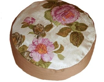 Meditation cushion. Rose with Brown.