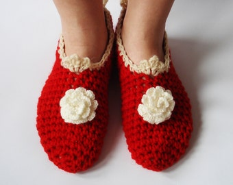 Handmade girl / woman slippers. Bulgarian tradition inspiration. Natural bulgarian wool.