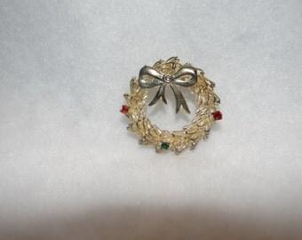 Silver Christmas Wreath pin