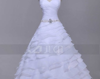 Chic Ruffled Organza Wedding Dress Tiered Skirt Wedding Dress W869