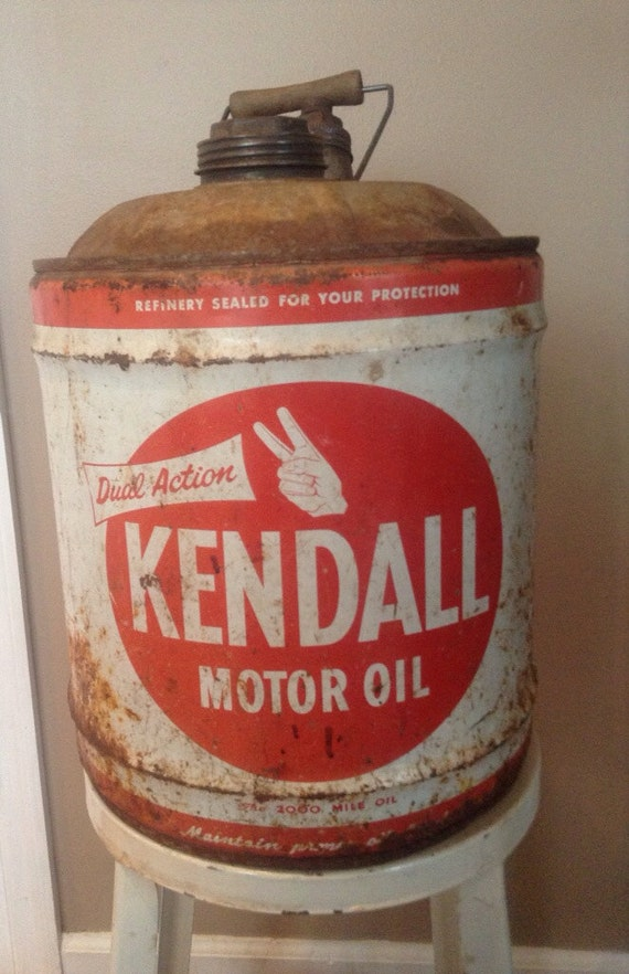 Vintage kendall motor oil gas can 5 gallon for Gallon of motor oil