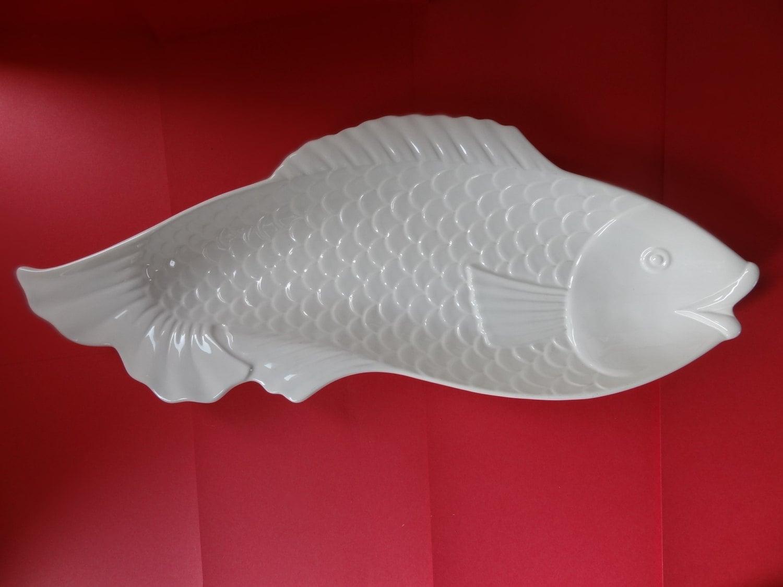Unique white ceramic fish serving plate bowl platter for Fish serving platter