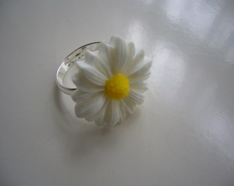 White Daisy Flower Adjustable Resin Ring, Flower Ring, Rose Ring, White Daisy Ring, Resin Ring, White Ring Silver Ring- Nickel Free