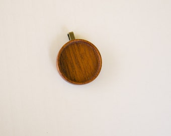 Finished hardwood pendant blank No laser - Mahogany - 25.5 mm - Brass Bail - (Z25-M)