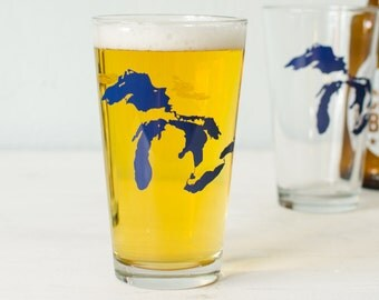 Great Lakes pint glass - Huron, Ontario, Michigan, Erie, Superior - blue silhouette