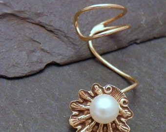 Beach Ear Cuff  -  PEARLY SHELL  -  Brass Handcrafted Pearl Earcuff