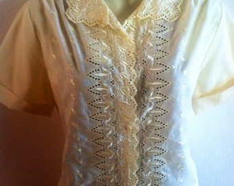 Vintage Buttery Yellow Lace Blouse by Lee Mar  70s epsteam Spring L Sale