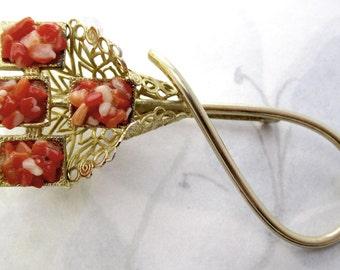 vintage gold tone coral chip filigree brooch - j5193