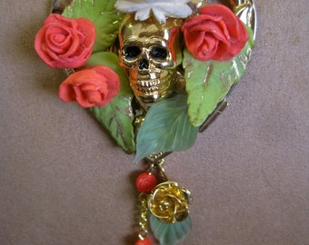 Day of the Dead Rosary NECKLACE La Reina de la Rosa Blanca: Floral Heart Vintage Assemblage GOLD SKULL Bright Coral and White Roses