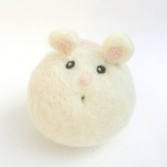 Felt Mouse, needle felted toy, natural waldorf toy, adorable cute stuffed animal for children, Unique Birthday gift