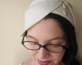 Off White Wool Felt Asymmetrical Draped Hat With Ivory Leather Buttons - Art Deco Bridal Hat