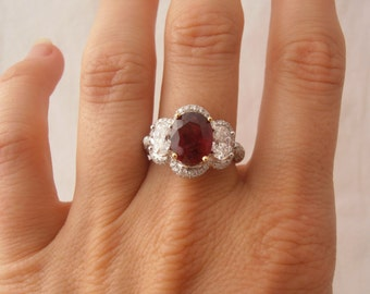 Important Ruby and Diamond Platinum and 18k Yellow Gold Ring