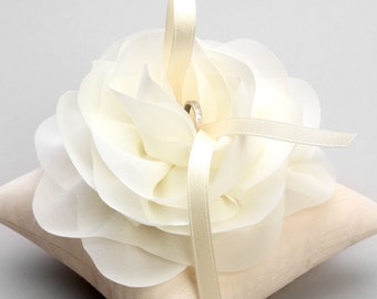 Ivory ring pillow, flower ring bearer, ivory ring holder - Aria
