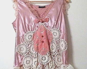 Doily Pink Camisole, Chinese Knot, Vintage Lace, Beautiful Vintage Doilies, Cute buttons, Upcycled