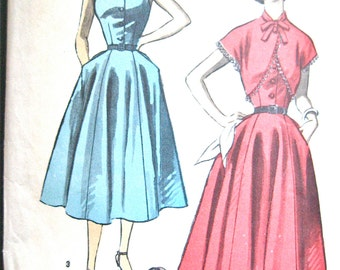 Vintage 1950s dress sewing pattern by Advance 6227  Bust 30 inches