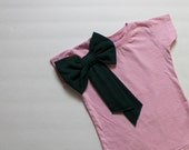 toddler girl tshirt--signature emerald green side bow on blush pink--2t,3t,4t--hudson & ruthie