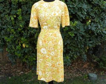 1960s Vintage Yellow Floral Two Piece Blouse and Skirt (Medium)