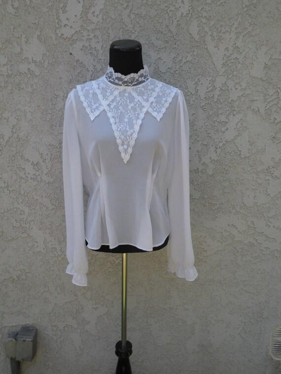 White Blouse Large Collar 40