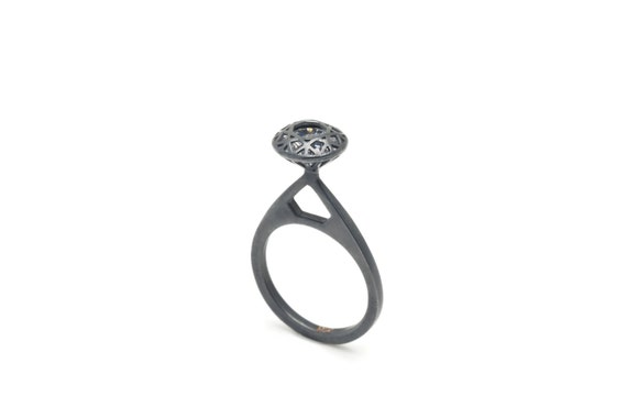 Like Diamond Ring (with stone) (Comes with Climbing Man Pin Gift )