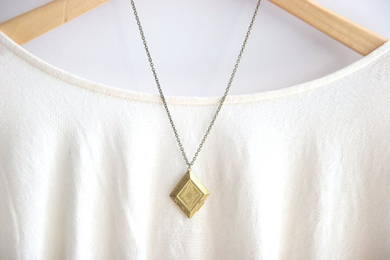 Vintage Locket Necklace // Golden Brass Locket // Bridemaid Gifts // Bridesmaid Locket Necklaces