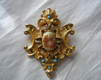ART Crest Brooch/Pendant Ornate Cameo Couple Faux Pearls Rhinestones