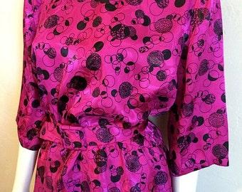 Vintage Women's 80's Dress, Peplum, Polyester, Fuchsia, Printed, Belted (L)