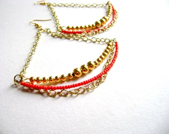 Red golden beaded maximalist earrings boho style  - Conquest