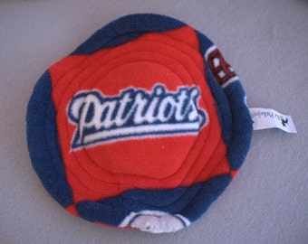 Sports Team Reversible Flying Saucer with Squeaker Dog Toy