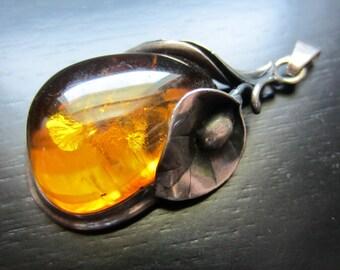Vintage Sterling Silver Art Nouveau Amber Calla Lily Pendant