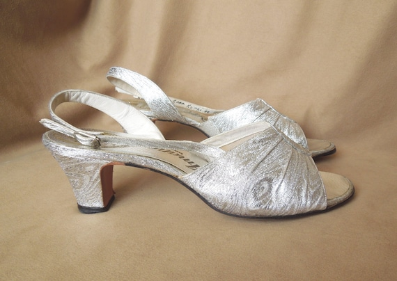 Vintage 70's Silver Lame'  Sandals, Peeptoe, Slingback, Metallic, Size 7.5 to 8