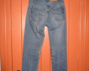 Vintage 1980's Levi's 505 Straight Leg Faded Denim Blue Jeans 31X33 Black Stitch USA Boyfriend