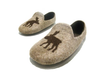 Felted slippers - brown slippers - wool indoor slippers - natural slippers with moose