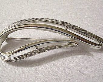Modern Swirl Pin Brooch Silver Tone Vintage Smooth Textured Long Open Slotted Curved Double Ribs