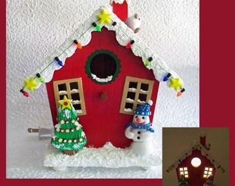 Christmas nightlight lamp, Birdhouse Nightlight, Winter Scene, Holiday decoration, Snowman