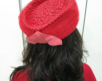 Ready for Fall Sale, Was 42 - LIKE NEW Vintage 1960s Fire Engine Red Straw Pillbox Hat with Red Tulle - Showstopper - fits small to medium