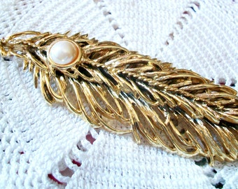 """Vintage FIGURAL FEATHER PIN, Faux Pearl, Layered & Pierced Heavy Gold Tone Metal, Gorgeous Figural 4"""" Piece"""
