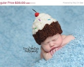 Cupcake  Hat.... baby  hat..knit hat... newborn photo prop..Photography prop..Newborn photo prop..20% off with code VALEN1 at checkout