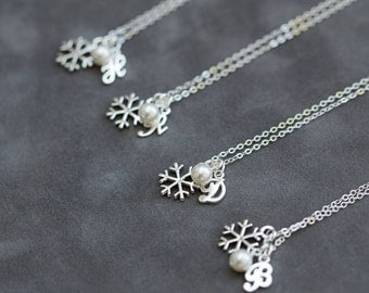 Silver Snowflake Bridesmaid Necklace Set of 7, Pearl Initial Jewelry, Winter Bridesmaid Jewelry Gift, Initial and Snowflake Necklace
