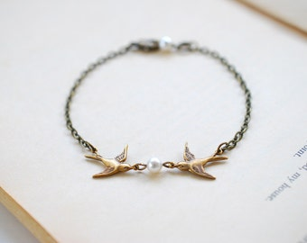 Love Birds Bracelet. Brass Swallow Birds Bracelet. Flying Bird and Swarovski Cream Pearl Bracelet. Mother Daughter Gift, Friendship Bracelet