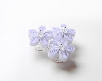 Minimal Wedding White Flower Hair Spirals, White Wedding Hair Accessories, Minimalistic Wedding, White Cherry Blossoms