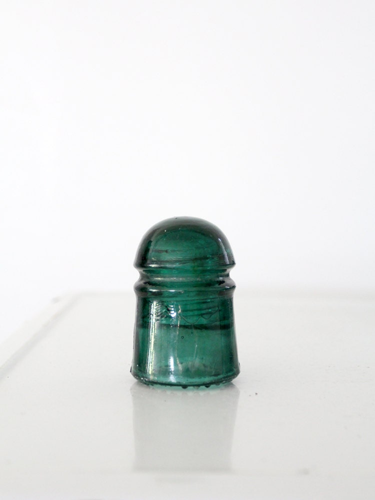 Antique brookfield glass insulator green glass electrical for Collectible glass insulators