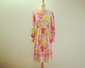 SALE - Vintage 1970s Colorfull Floral Print Dress - Size XS/S