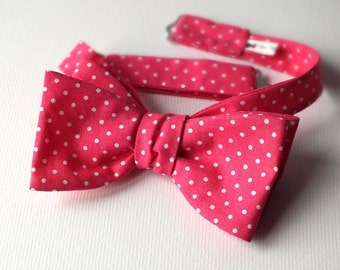 Bow tie - pink polkadot - cotton print / freestyle bowtie - I make freestyle bowties for men / ships worldwide, from Bagzetoile mens bowties