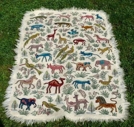 Vintage animal print hand emboridery area rug kashmiri crewel