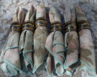 Set of 6 Napkin Rings with Napkins
