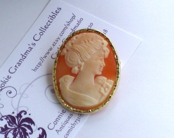 Antique CAMEO Brooch, Pendant In 14K Gold Frame / Hand Carved Shell / Artist Signed On Back / Free US Shipping